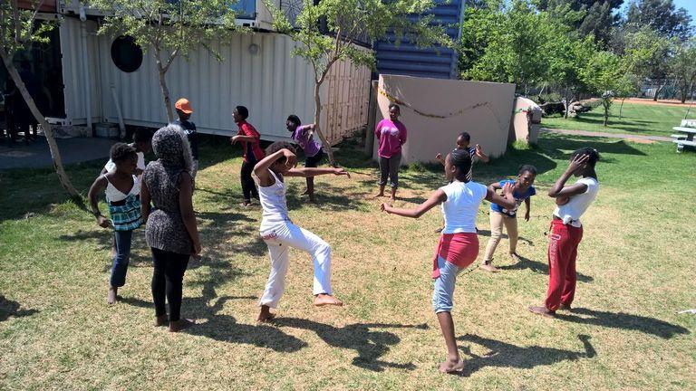 children playing_10