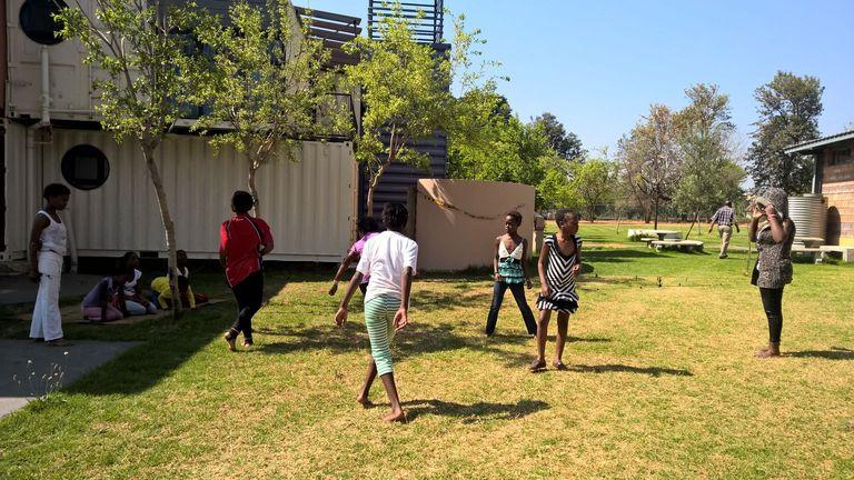 children playing_11