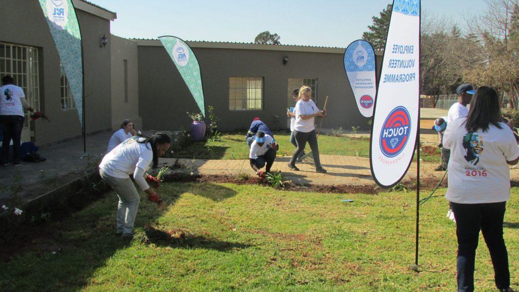 RCL Food Mandela Day at NJCH_54