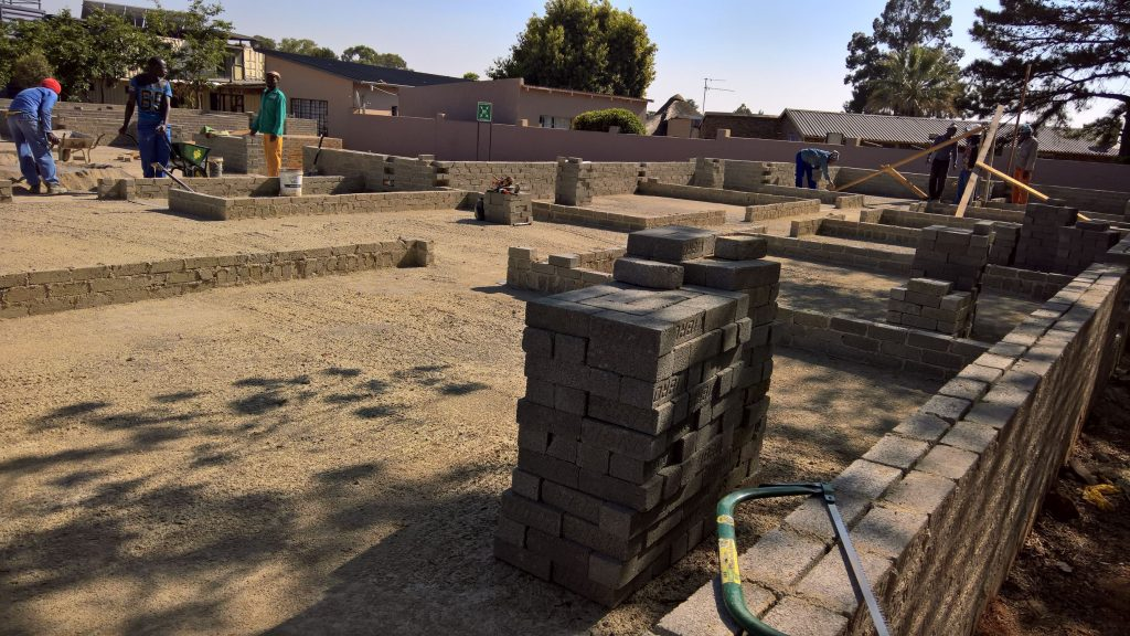 10_october_2016_boys-building_40