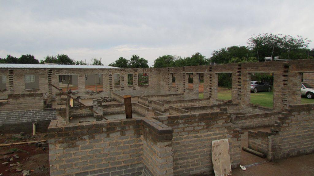boys-building-progress_16