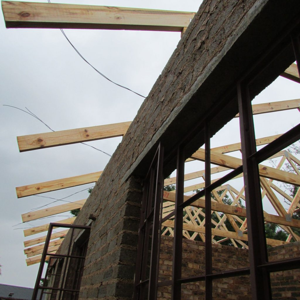 Roof on the wall_12