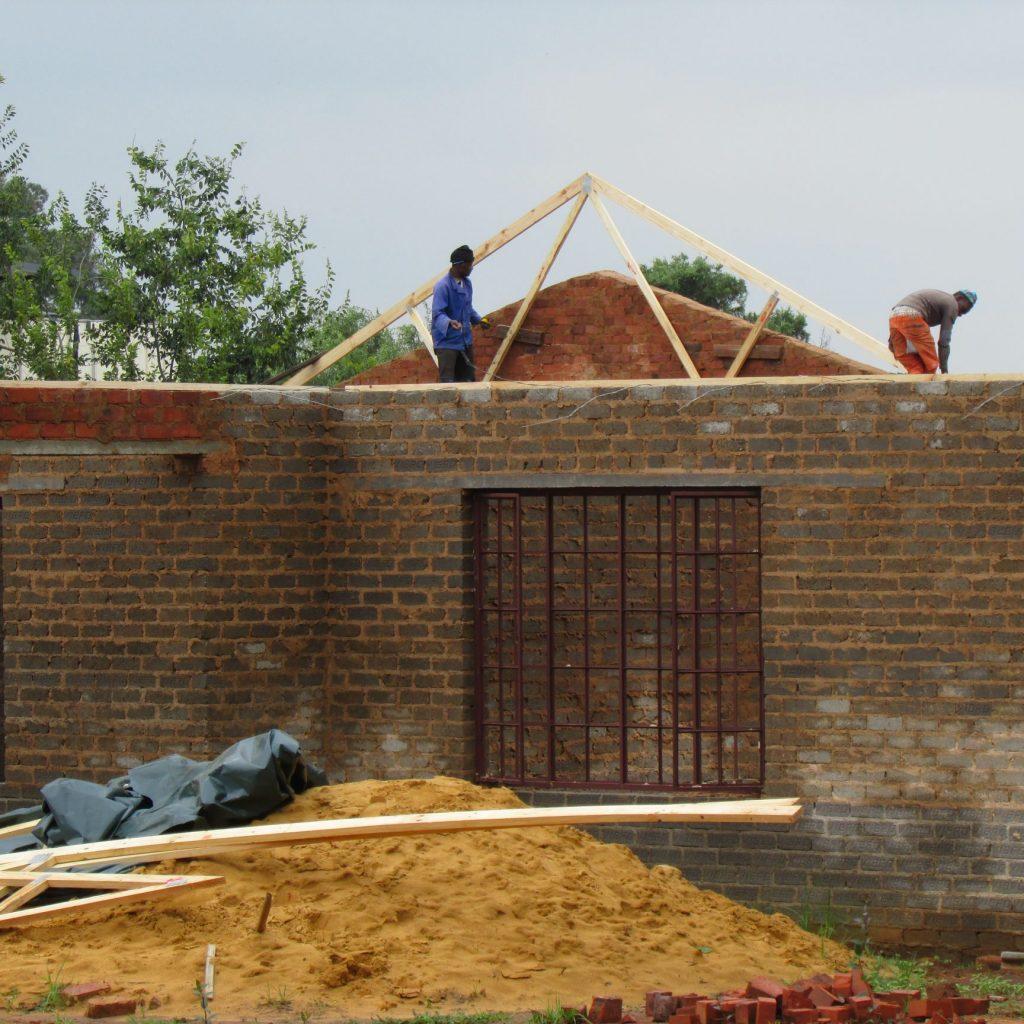 Roof on the wall_29