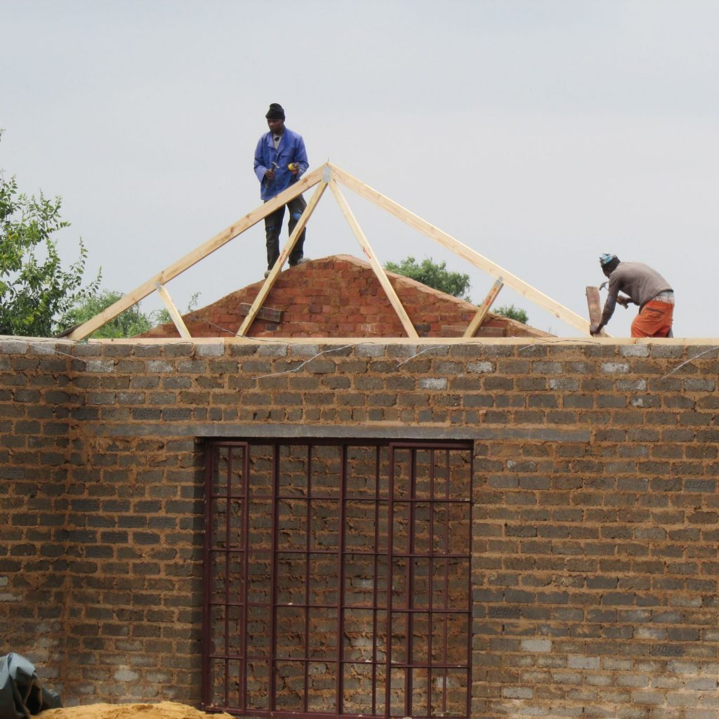 Roof on the wall_31