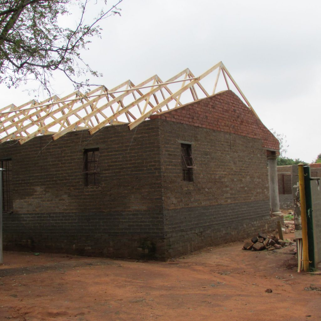 Roof on the wall_6
