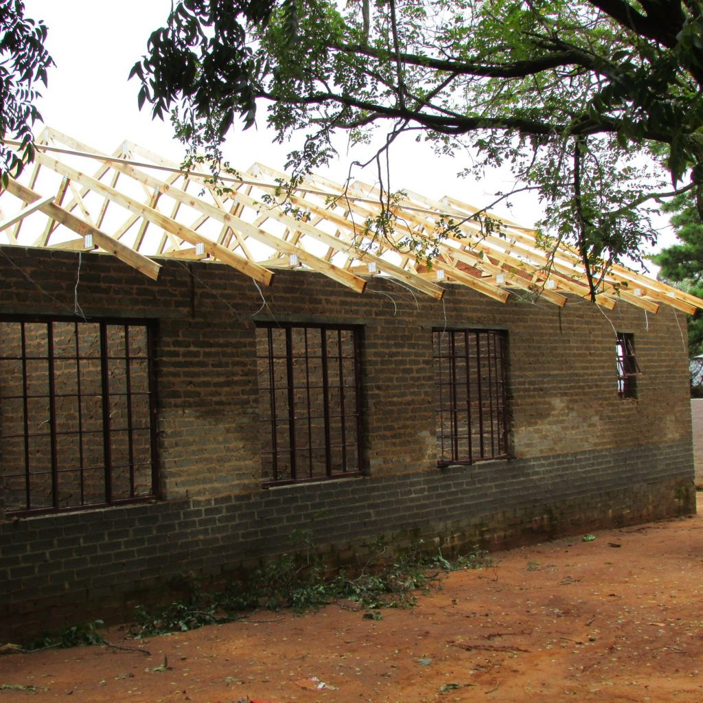 Roof on the wall_7