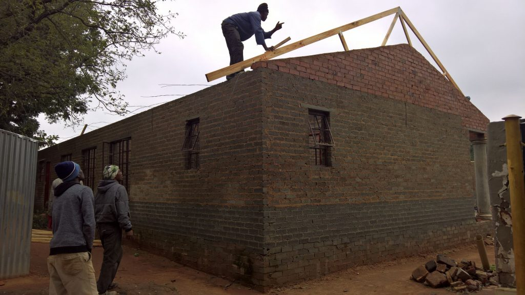 Roof on the wall_72