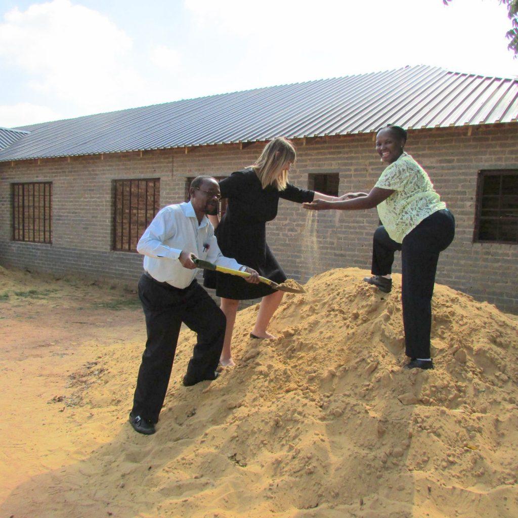 GFIA handin over the plaster sand_13