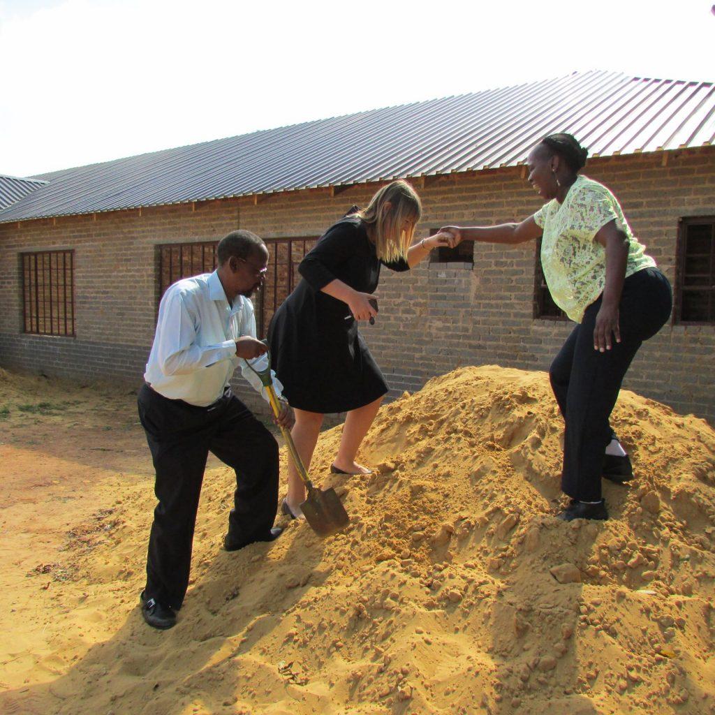 GFIA handin over the plaster sand_14