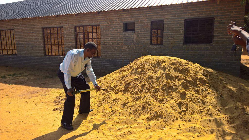 GFIA handin over the plaster sand_2