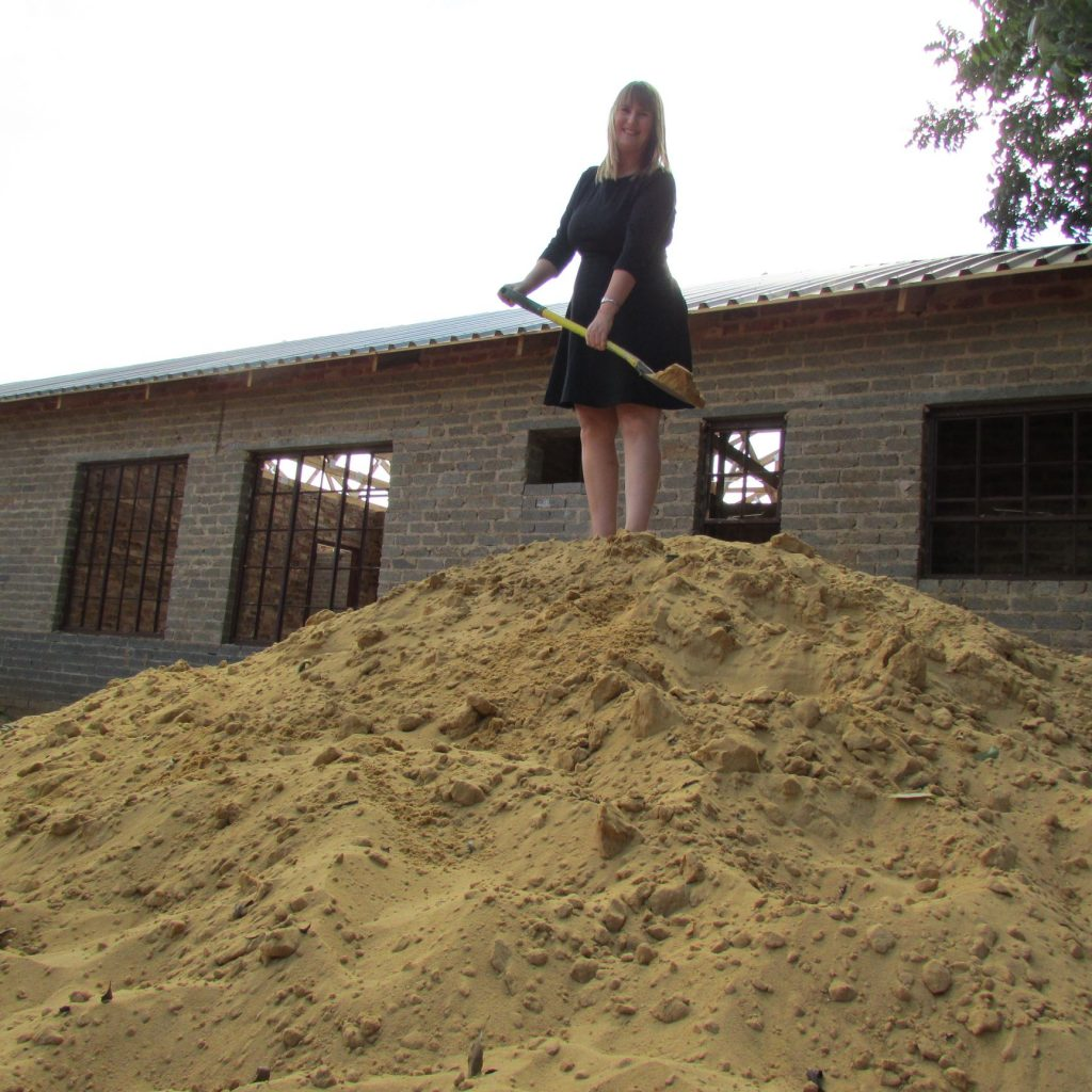 GFIA handin over the plaster sand_6