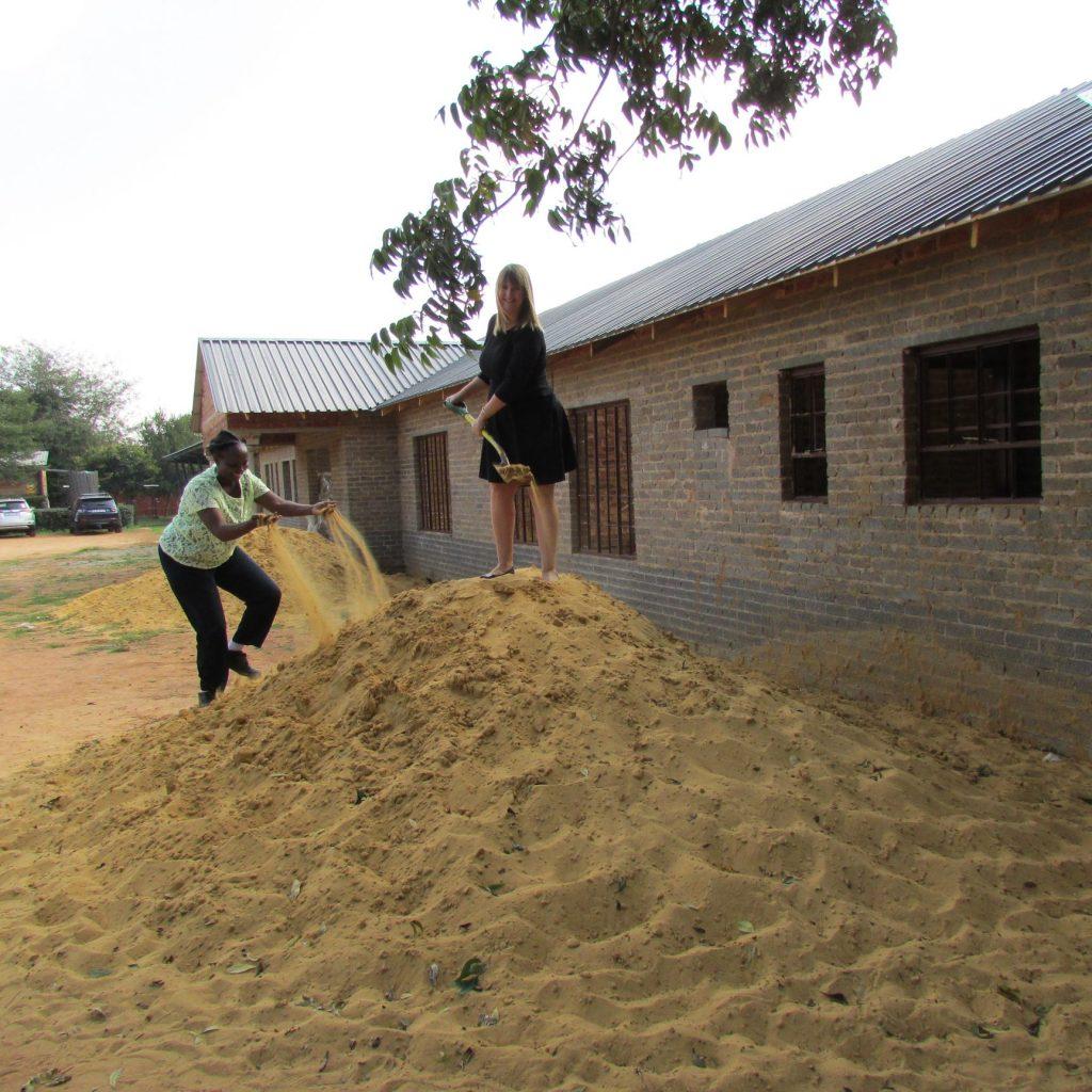 GFIA handin over the plaster sand_8