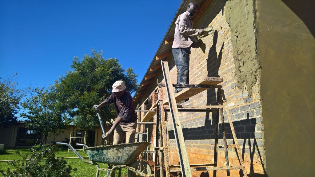 Plastering the outside walls_1