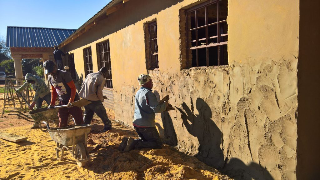 Plastering the outside walls_22
