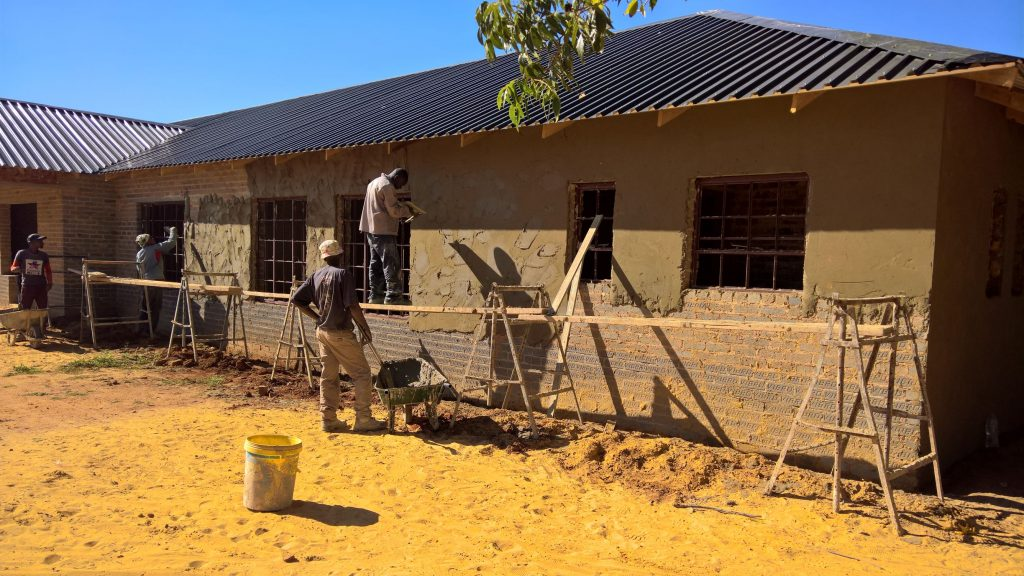 Plastering the outside walls_29