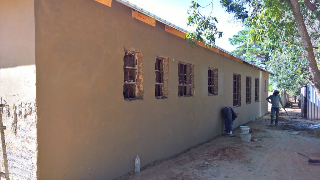Plastering the outside walls_30