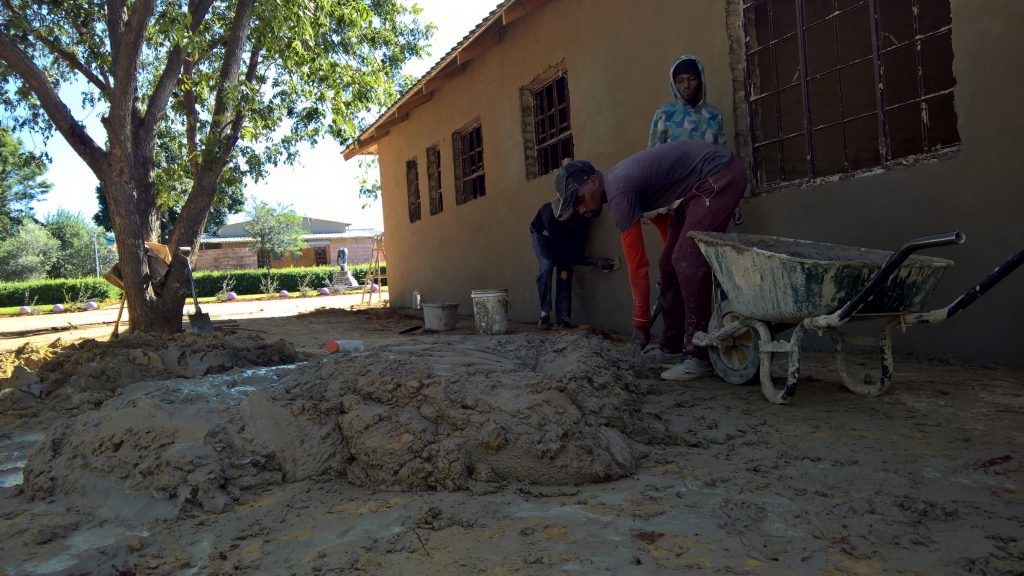 Plastering the outside walls_33