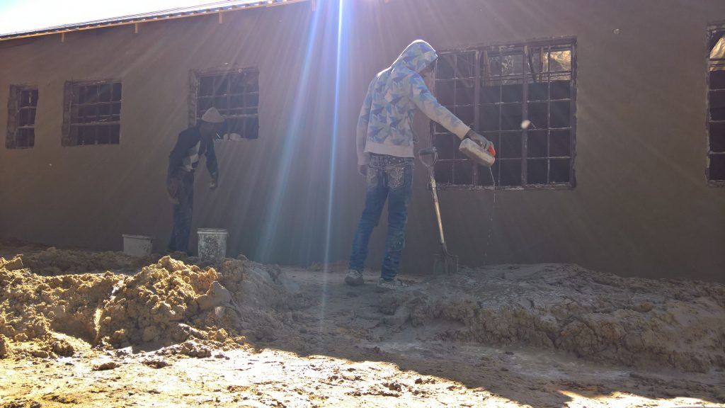 Plastering the outside walls_37
