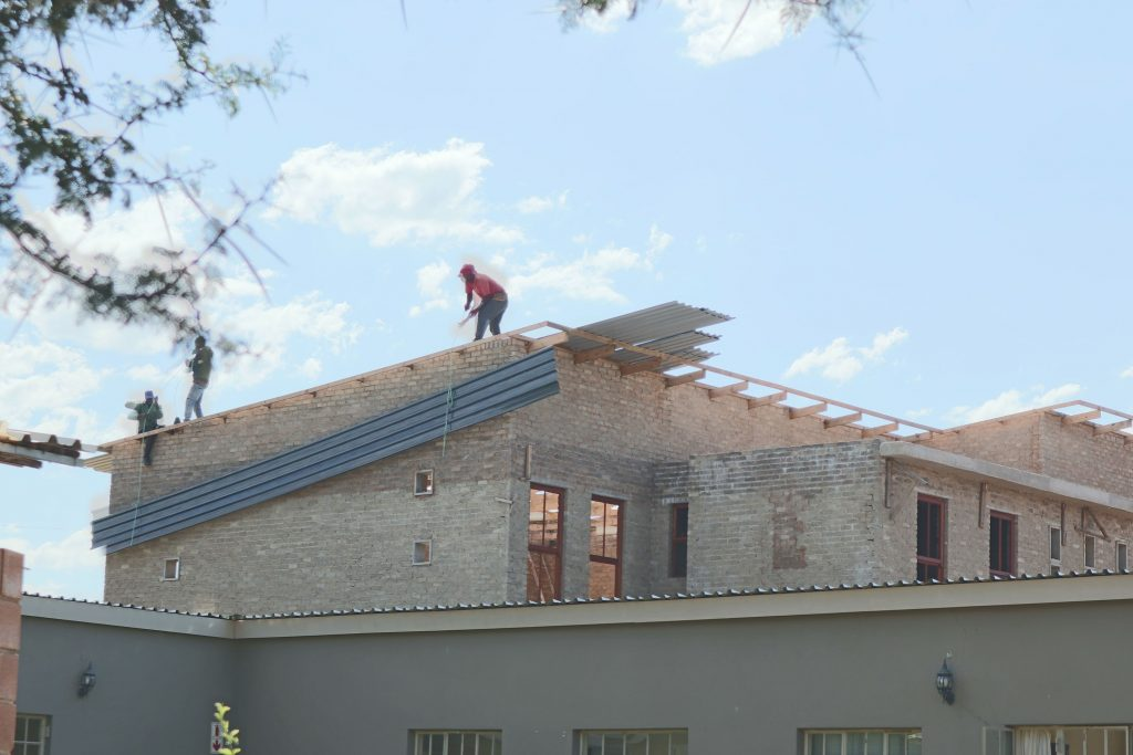 Roof sheeting progress_15