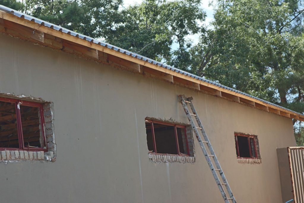 Roof sheeting progress_26