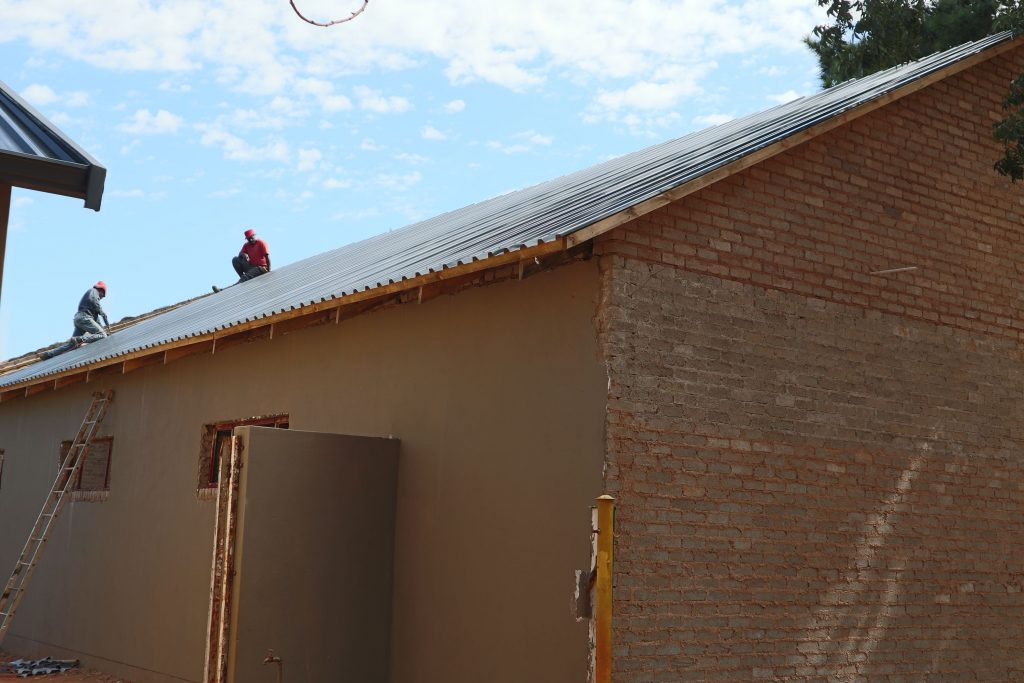 Roof sheeting progress_32