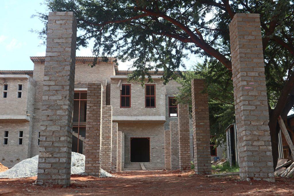 Pillars of the school building_15